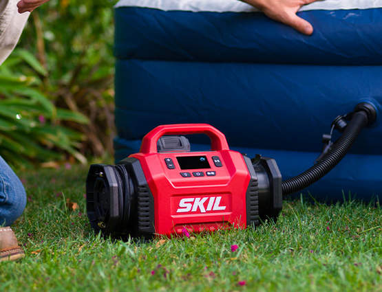 VA1E3153CA SKIL : un compresseur d'air sur batterie à double fonction pratique et polyvalent