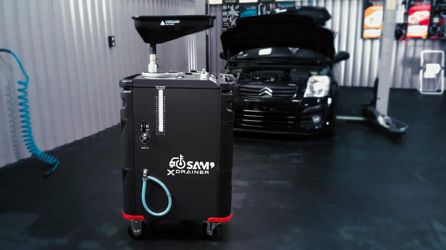 Vidangez votre circuit de refroidissement simplement avec le XDRAINER XDC-50 SAM Outillage