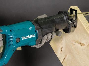 Scie sabre filaire professionnelle Makita JR3051T