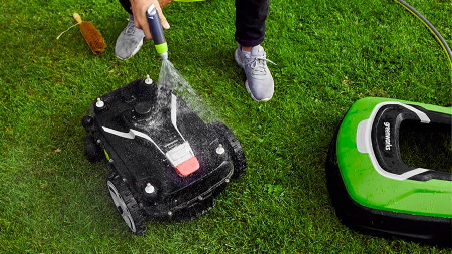 Robot tondeuse Optimow 10 et 15 Greenworks